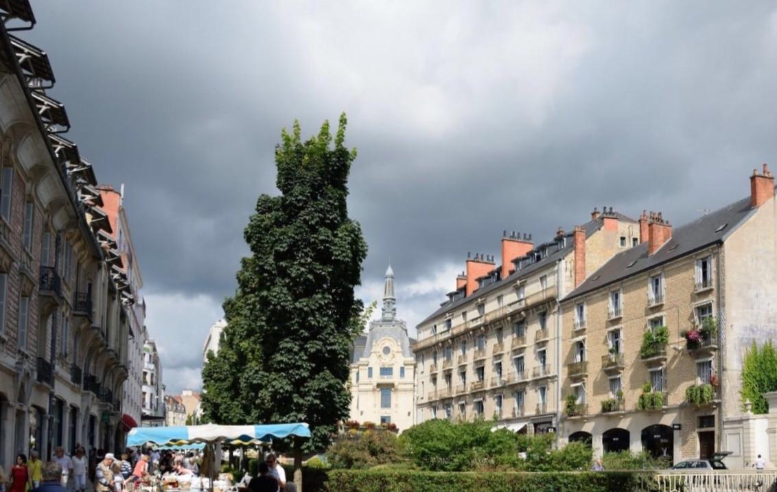 Place de Republique a Rennes