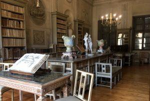 La biblioteca di Villa d'Arco Mantova