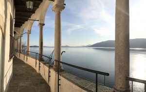 Il panorama dall'eremo di Santa Caterina del Sasso