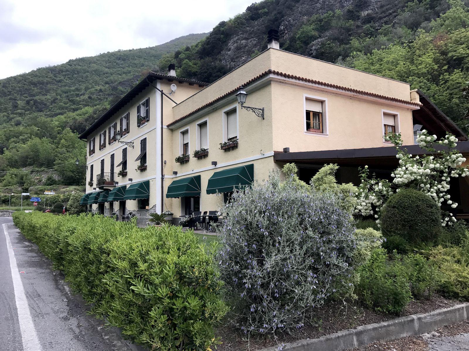 Ristorate Scola a Castelbianco