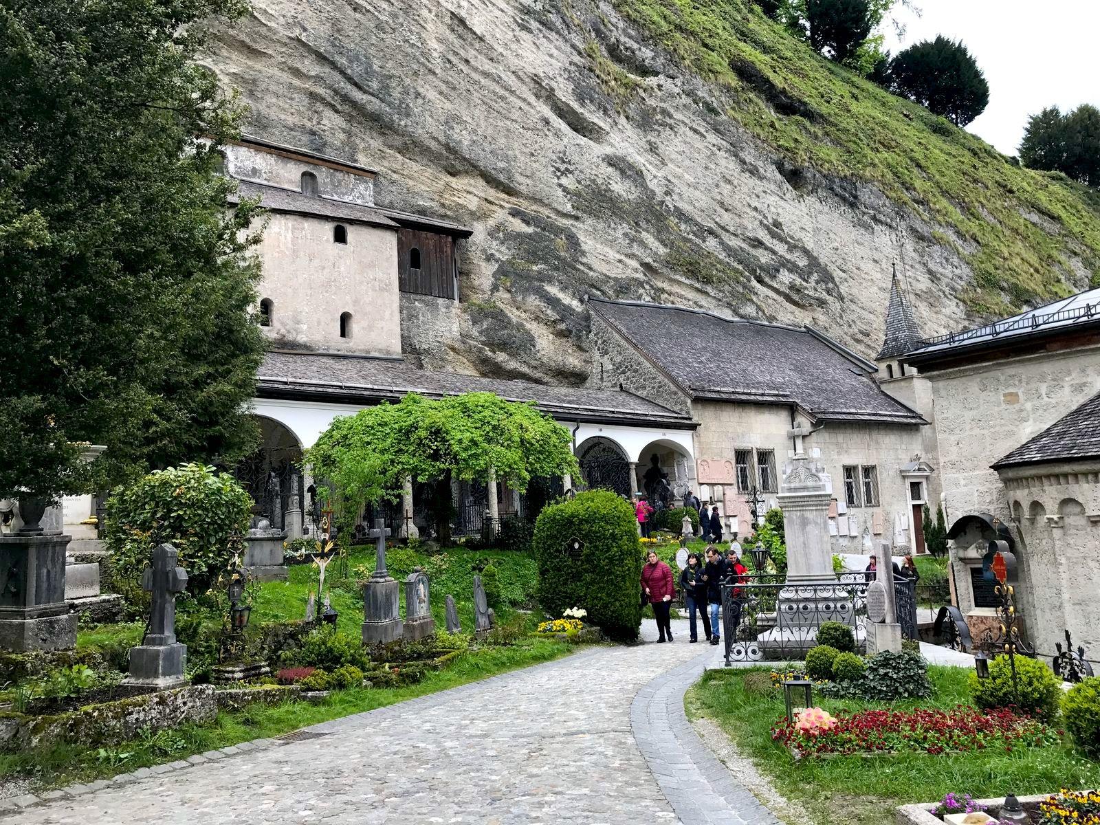 Il cimitero di San Pietro e le catacombe a Salisburgo