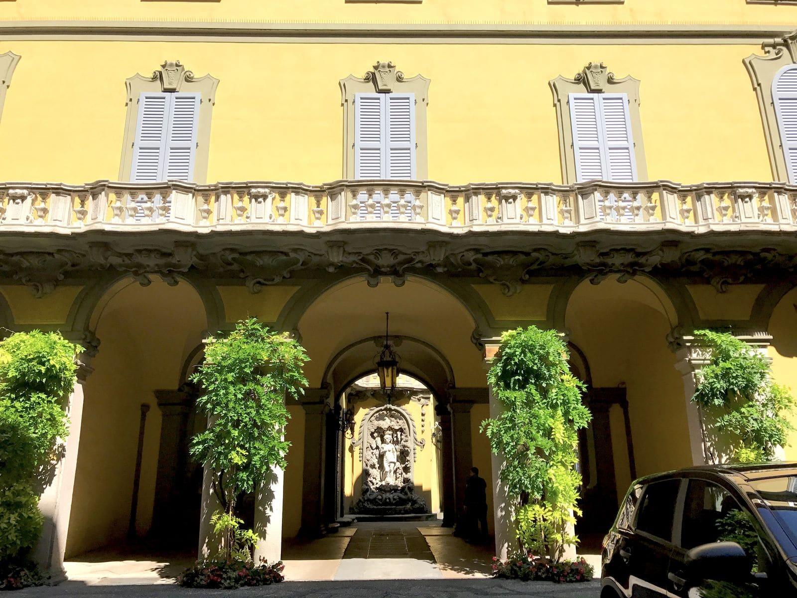 La corte interna di Palazzo Visconti