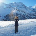 Giocando con la neve all'Alp Grum