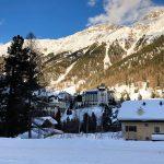 Treno del Bernina: vista su Pontresina e sui suoi hotel
