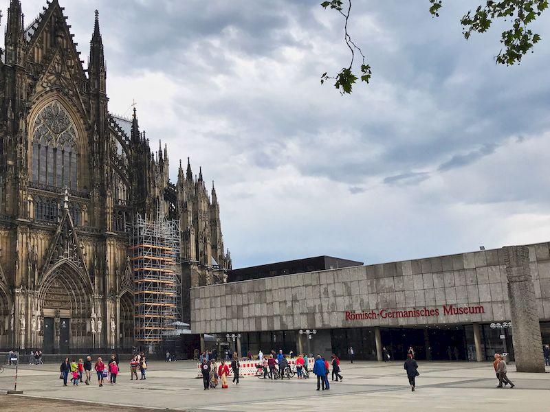 La cattedrale di Colonia e il Römisch-Germanisches Museum