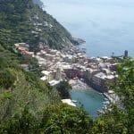 Trekking in Italia - Parco delle Cinque Terre e veduta su Vernazza